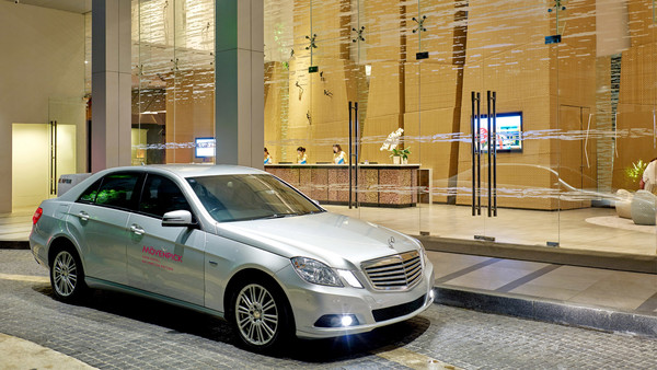 Free Limousine Airport Transfer